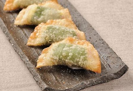 かまぼことチーズの揚げ餃子